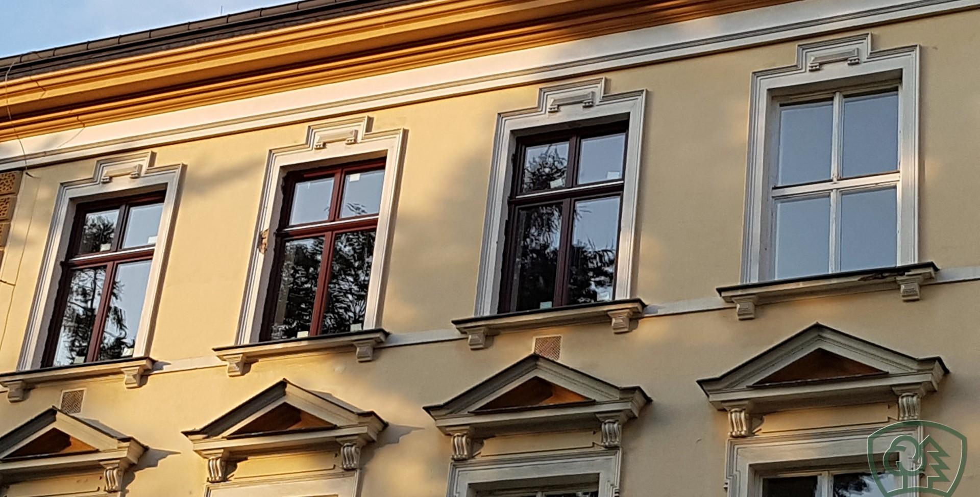 """Featured image for """"Kompletní výměna oken na historické budově"""""""